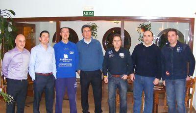 Foto de familia de los entrenadores participantes (Foto: Pablo Romero)