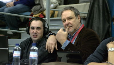 Tim Shea, retransmitiendo para Radio Solobasket (Foto: Manuel López/Basketme.com)