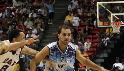 Diego enfrentándose al equipo nacional de los Estados Unidos (Foto: FIBA Américas)