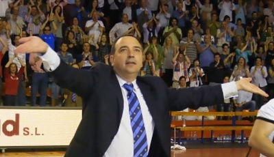 Andreu Casadevall saludó a su público desde el centro de la pista (Foto: Pablo Romero)