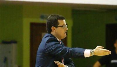 Rubén Domínguez dando instrucciones (Foto: César Borja/UB La Palma)