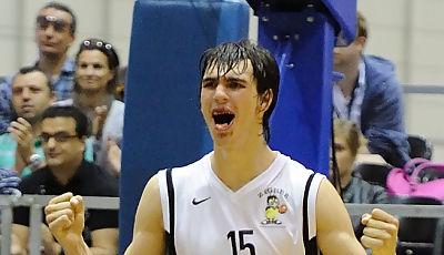 Dario Saric celebrando el triunfo final (Foto: Charly Mula)