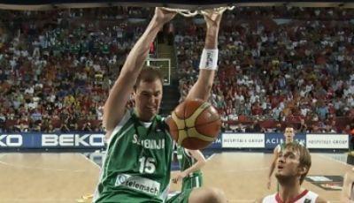 Primoz Brezec macacha contundentemente en el pasado Mundobasket (FIBA/Castoria/M.Metlas)