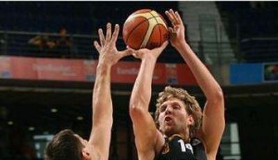 Nowitzki, con Alemania (Foto: FIBA Europa/Castoria/Vlachos)