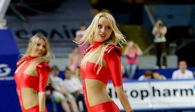 Las Red FoXes