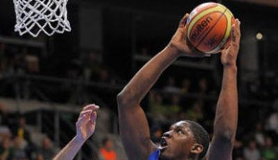 Seraphin jugará en Caja Laboral (Foto FIBA Europe/Castoria/Wiedensholer)