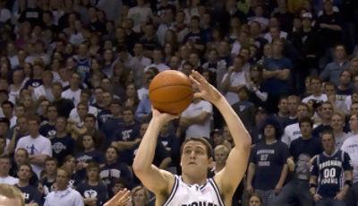 Ya nunca más volveremos a ver a Jimmer levantándose para clavar un triple con la camiseta de BYU (Foto BYU Cougars)