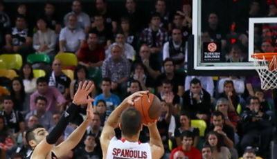 Spanoulis lanzando un triple (Foto: Luis Fernando Boo).