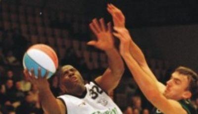 Magic Johnson, en Dinamarca, contra el Zalgiris (Foto tzoas.net).