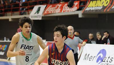 Josep Perez subiendo el balón.<br> Foto: Charly Mula