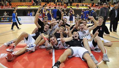 Campeones del 33º Torneo Junior de Basket de L´Hospitalet: Lietuvos Rytas<br> Foto: Charly Mula