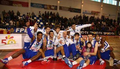 FC Porto celebra la victoria en el Trofeo Hugo dos Santos (Foto: FPB.pt)