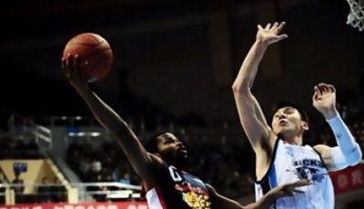 Aaron Brooks, fue la estrella del Guangdong (Foto: Osports)