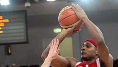 Dontaye Draper lanzando en suspensión (Foto: FIBA Europe)