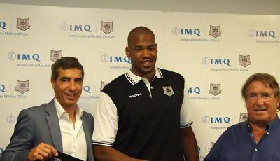 Lamont Hamilton presentado como nuevo jugador de Gescrap Bizkaia (Foto: Bilbao Basket)
