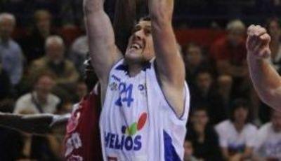 Matej Krusic jugando ante Cedevita