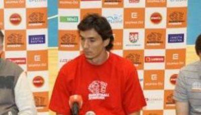 Welsch durante la rueda de prensa de presentación (Foto: basket-nymburk.cz)