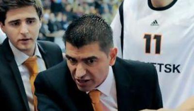 Berrocal durante un tiempo muerto con BC Donetsk (Foto: basket-planet.ru)