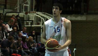 Tiro libre de Albert Homs (foto basquetmaniàtic)