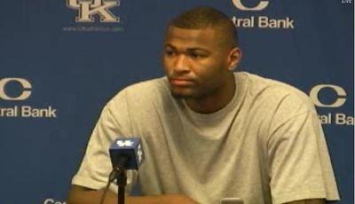 DeMarcus Cousins en rueda de prensa en Kentucky.