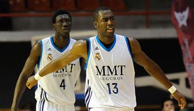 Waly Niang y Jonathan Kasibabu   <br>Foto: Charly Mula