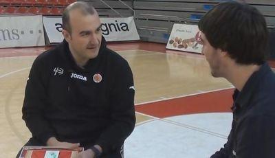 Jaume Ponsarnau atiende las preguntas de SolobasketTV