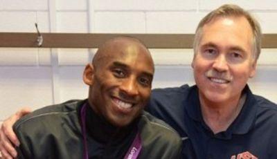 Kobe Bryant y Mike D'Antoni, con la medalla de oro olímpica (Foto: USA BASKETBALL Facebook).
