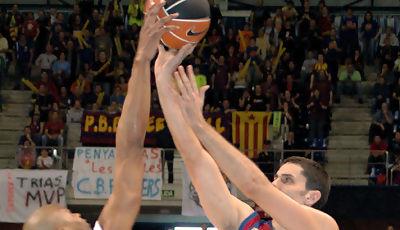 Smith tapona a De la Fuente <u>Foto José María Benito</u>