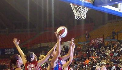 Marta Fernández realizó un partido espectacular