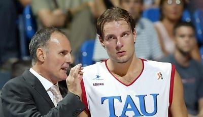Dusko Ivanovic alecciona a Kornel David (Foto: ACB)