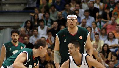 Kus defendido por Navarro (Foto: José María Benito)