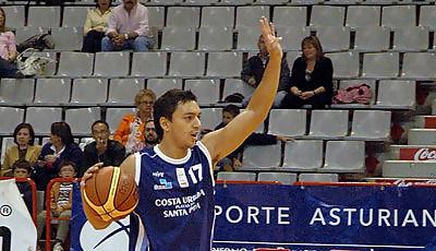 Matias Ibarra marcando jugada (foto: www.chemagonzalez.es)