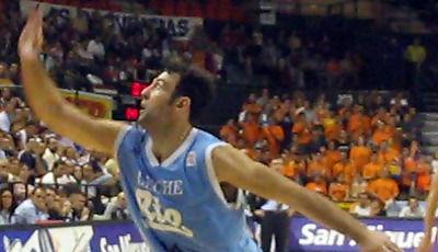 Ricardo González en una acción de su última temporada