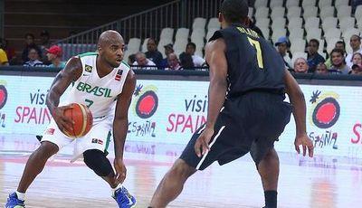 Garfield Blair con Jamaica (foto FIBA America)