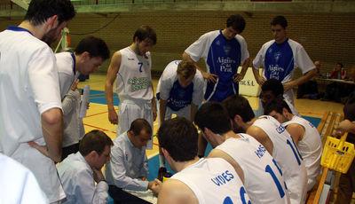Carles Durán (CB Prat Joventut) dando instrucciones (foto basquetmaniàtic)